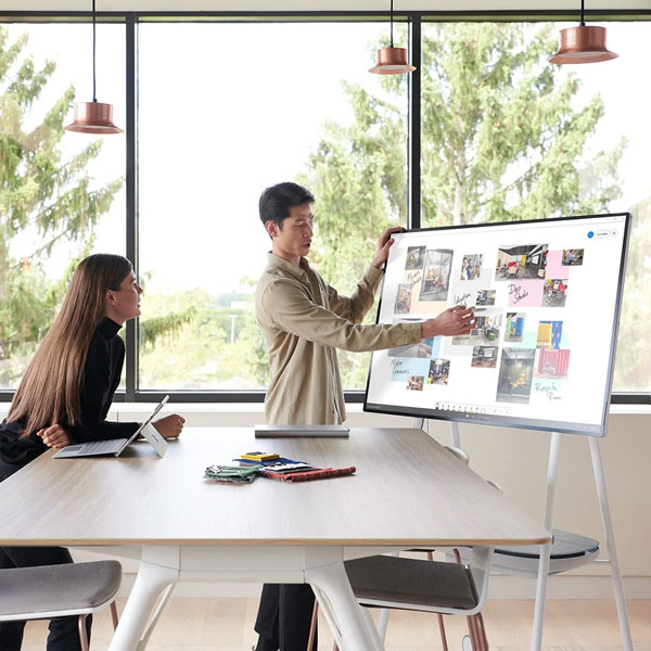 Microsoft Surface Hub 2S for Fluid Team Collaboration